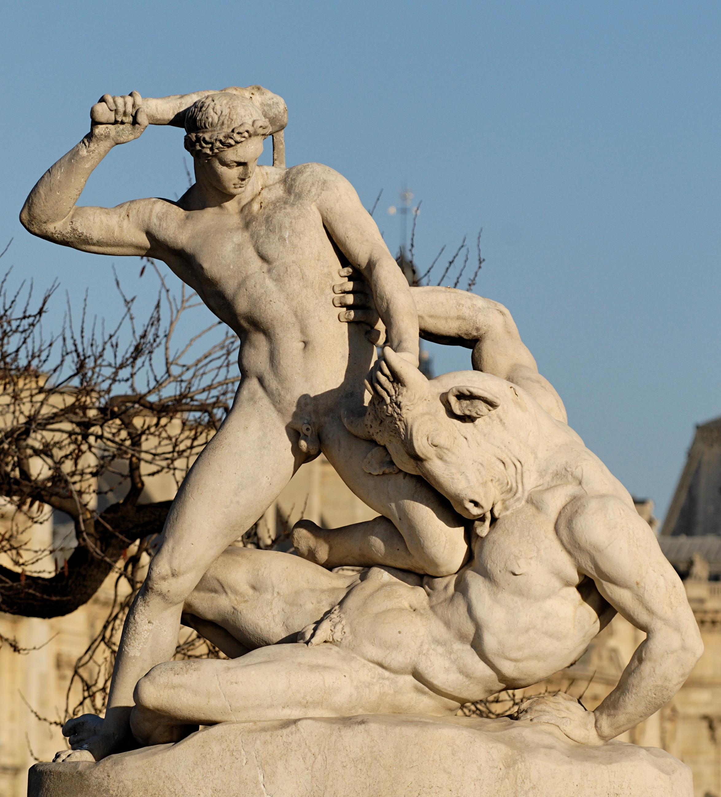 """Teseu e o Minotauro"", de Étienne-Jules Ramey (1796-1852).  Escultura de mármore nos Jardins des Tuileries (Paris), 1896."