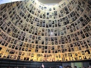 Vítimas do Holocausto. Clique para ver em tamanho maior.