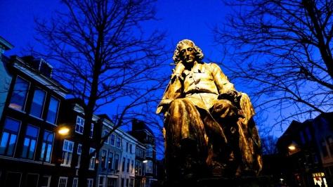 Monumento a Spinoza em Amsterdam