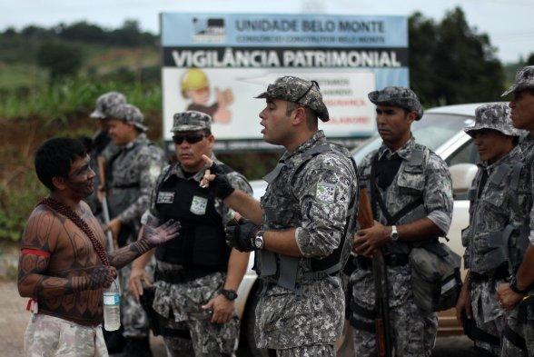 Indígenas ocupam principal canteiro de obras da Usina Hidrelétrica Belo Monte, contra a construção de barragens e em defesa da consulta prévia. Eles afirmam que dessa vez não sairão, mesmo com reintegração de posse. Essa é a segunda ocupação em menos de um mês na barragem. Ruy Sposati / Agência Raízes