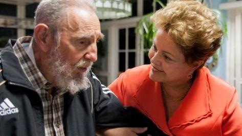 """A ex-presidente Dilma Rousseff visitou Fidel Castro em Havana em 27 de janeiro de 2014. Na ocasião, a imprensa oficial cubana disse que o encontro """"foi uma expressão do afeto e da admiração entre Fidel e Dilma""""."""