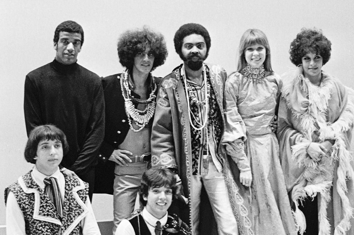 TROPICÁLIA: 50 anos de um movimento estético e político que catalisa as confluências