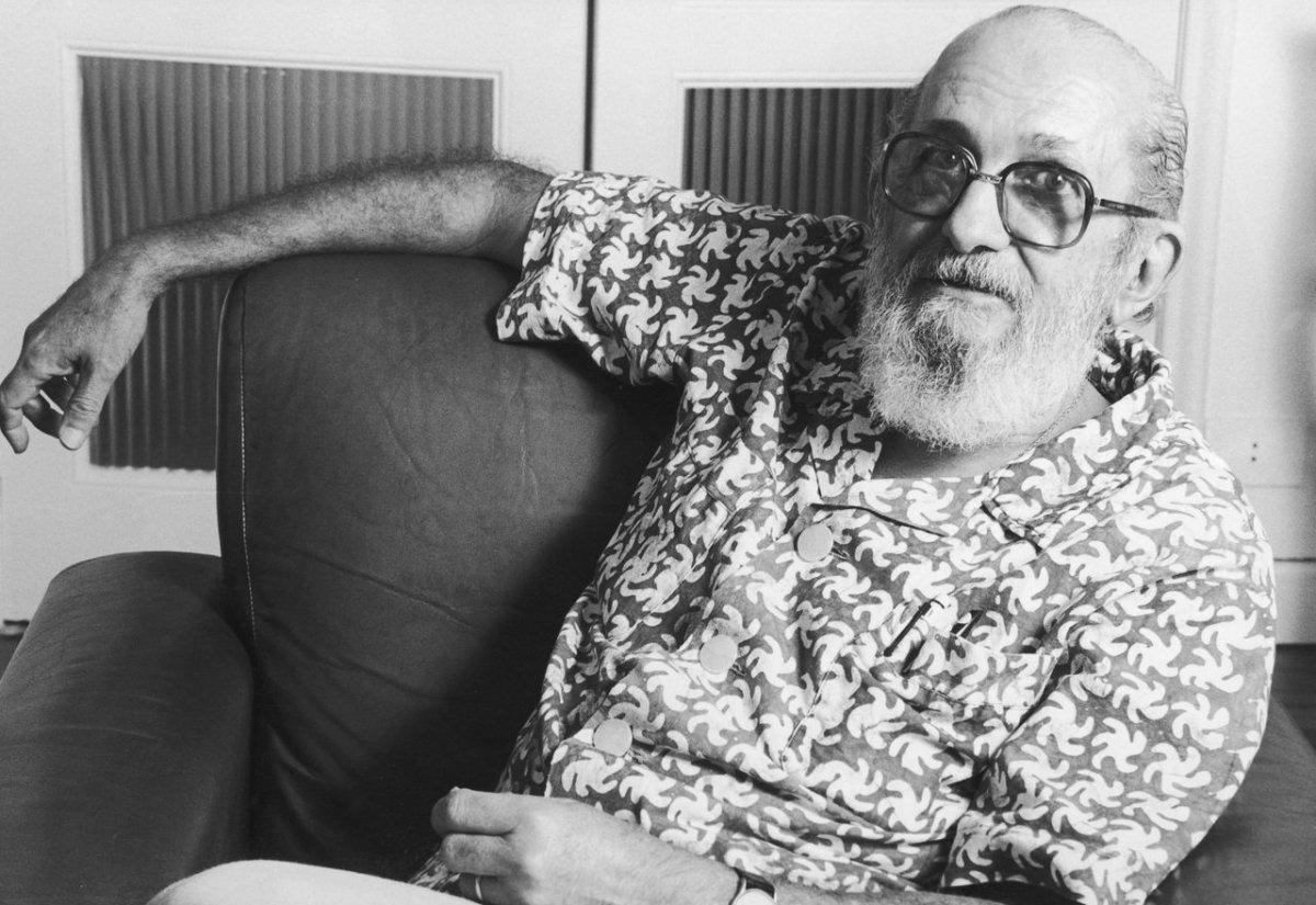 """Para Paulo Freire, """"não existe imparcialidade. Todos são orientados por uma base ideológica. A questão é: sua base ideológica é inclusiva ou excludente?"""""""