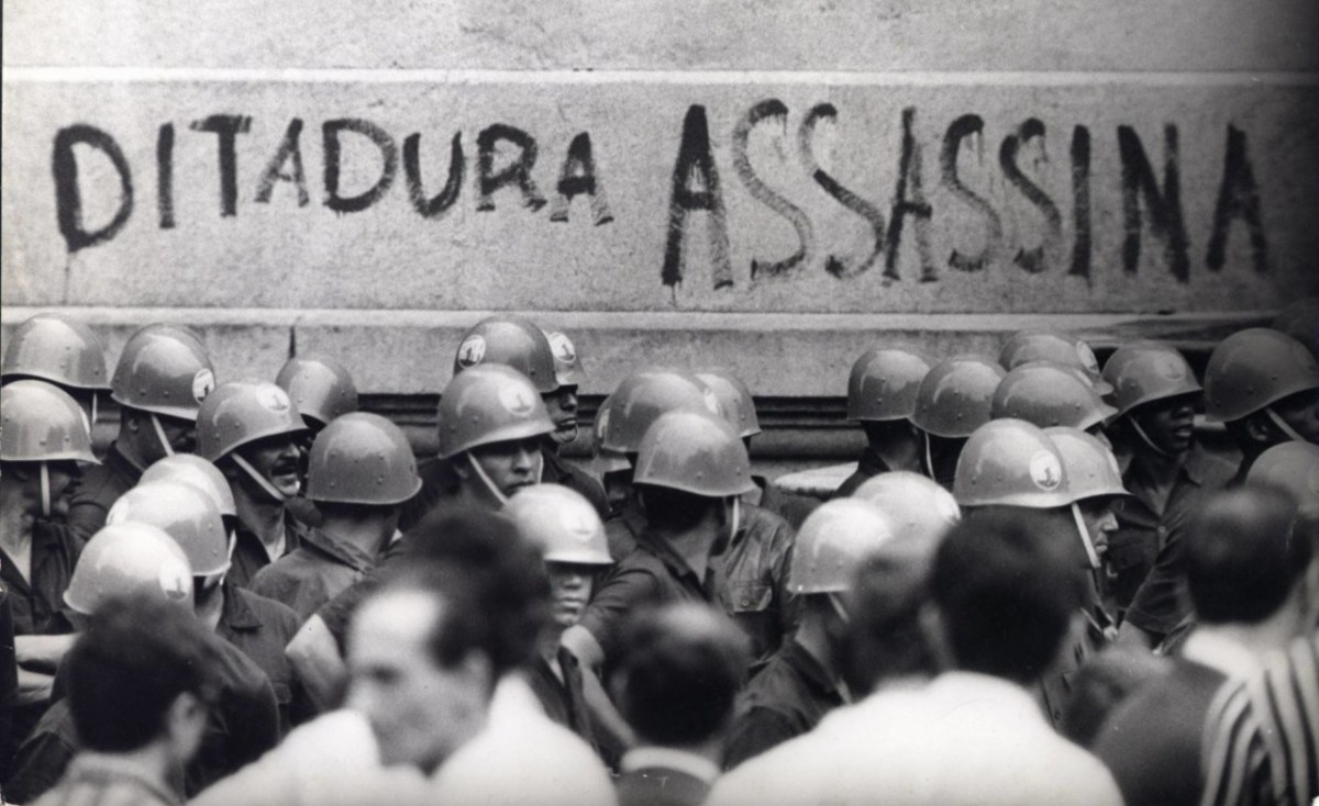 SINAIS DE FUMAÇA NA CIDADE: Uma Sociologia da Clandestinidade na Luta Contra a Ditadura no Brasil - Reflexões sobre a obra de Henri Acselrad