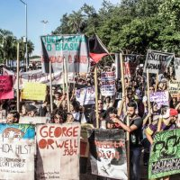 TSUNAMI DA BALBÚRDIA: Documentário sobre a mobilização em defesa da Educação pública em 15 de Maio de 2019 (Goiânia, 23 min)